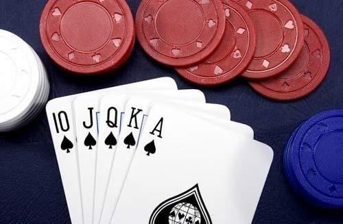 آموزش پوکر 5 کارتی چگونه است؟
